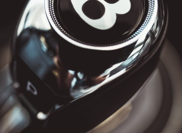 Ronan siri photographe de produit commercial avec Bentley bentayga
