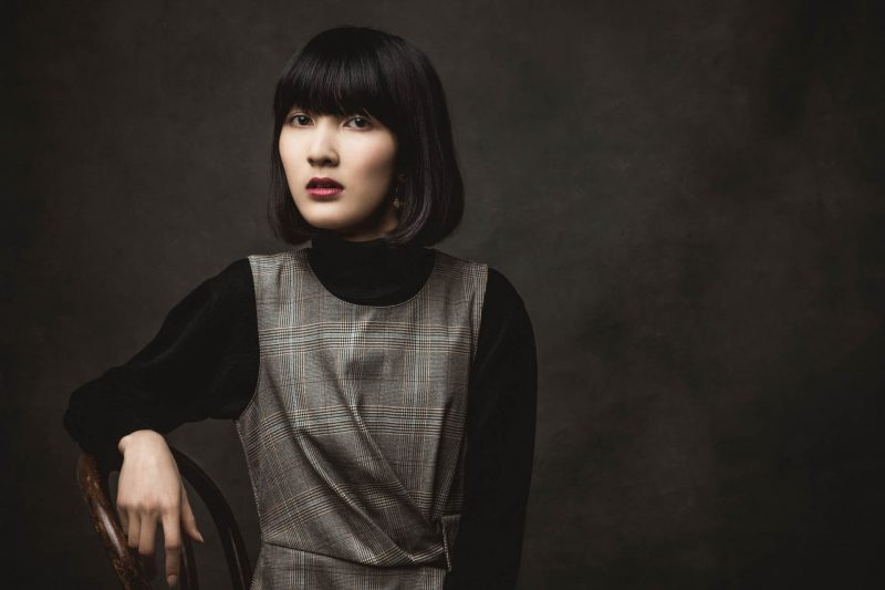 ronan siri portrait femme asiatique